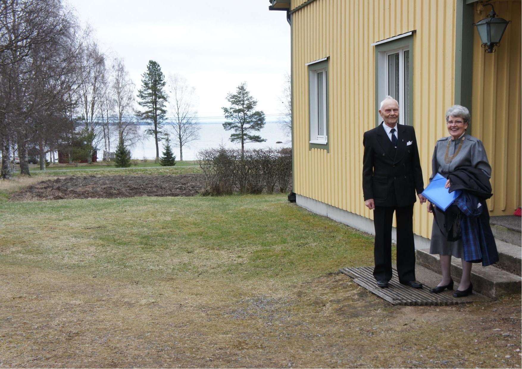 Arre ja Kerttu Öörni asuvat kauniilla paikalla aivan Lappajärven rannalla, lähellä on Aarren syntymäkoti ja lasten asunnot ja kesäasunnot.
