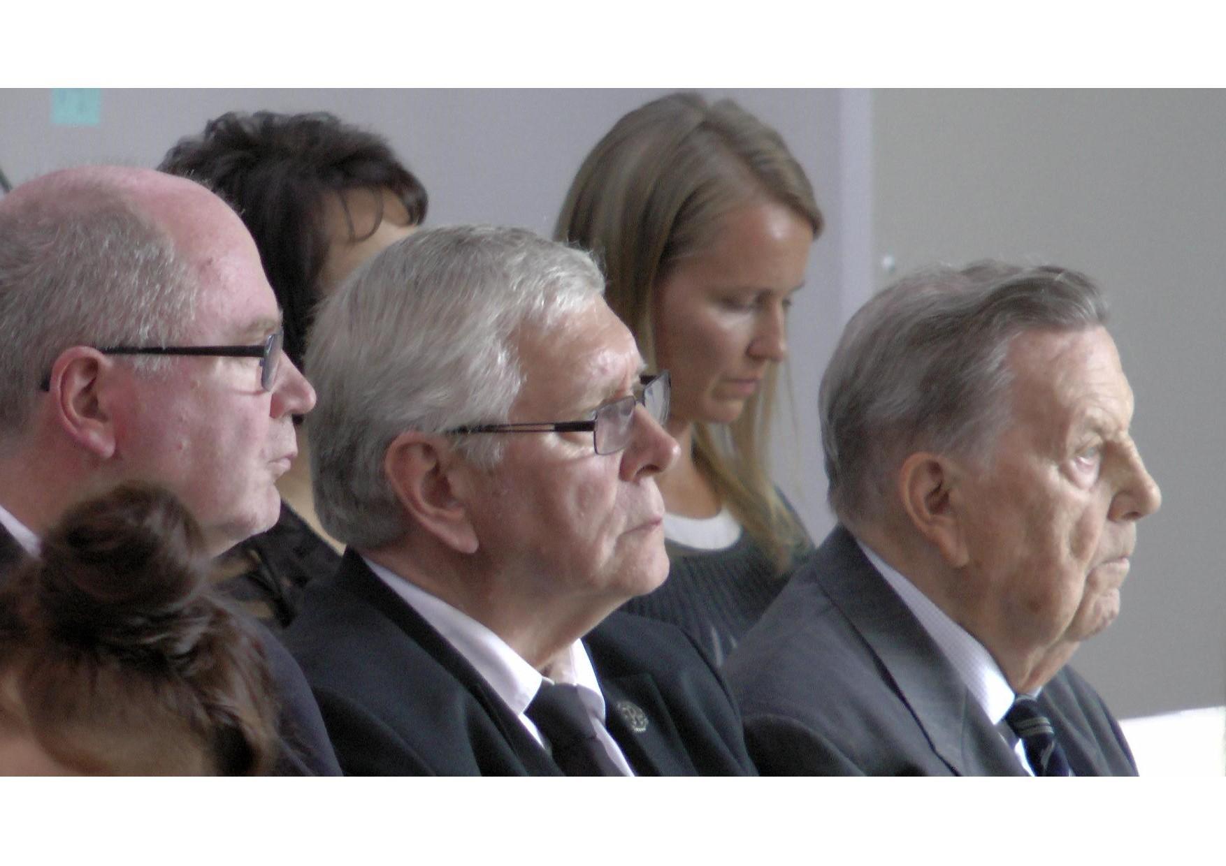 Kansalaisjuhlan 70 vuotta Jatkosodasta juhlapuheen piti Eduskunnan puhemies Eero Heinäluoma, Rukajärven suunnan historiayhdistyksen puheenjohtaja Tenho Tikkanen avasi juhlaseminaarin, hänen vierellään kenraaliluutnantti Ermei Kanninen sekä taustalla juhlan juontaja Tiina Ihalainen.