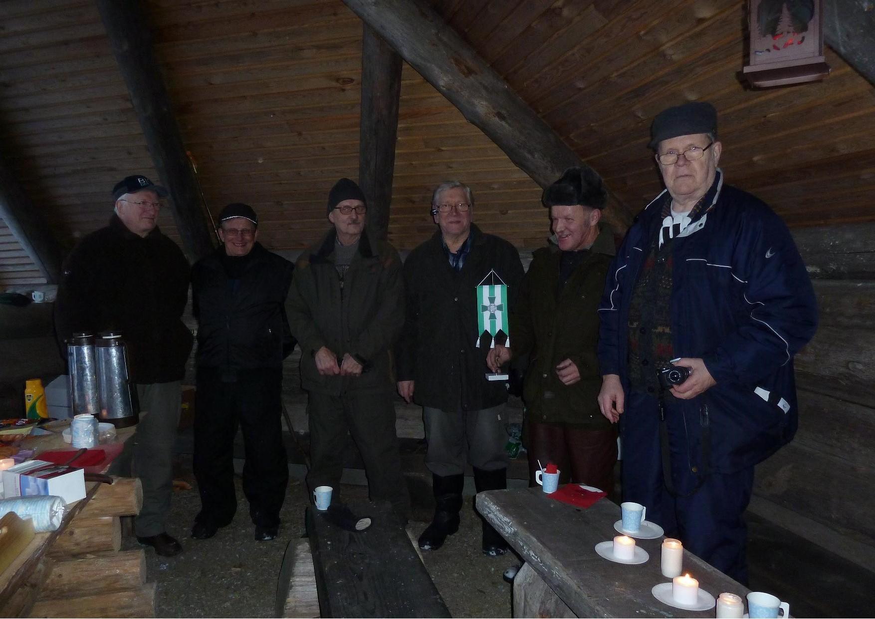 Kuvassa. vasemmalta Paavo Leppänen, Tauno Jääskeläinen, Pentti Kärkkäinen, Tenho Tikkanen, Väinö Väänänen ja Timo Laukkanen.