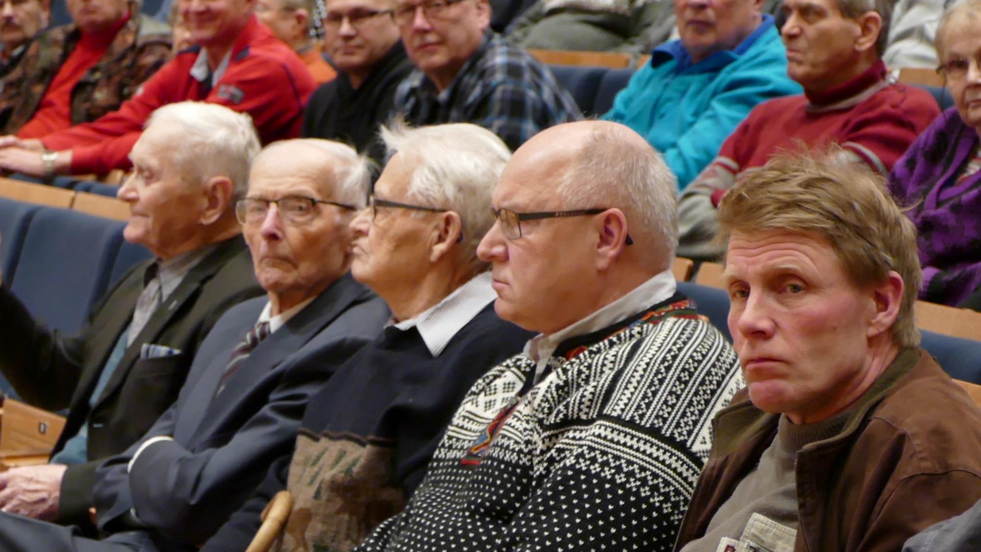 Veteraanit Tauno Tikkanen (10.3.1916), Viljo Rantonen (13.11.1924) ja Erkki Siponen (3.6.1926) ja