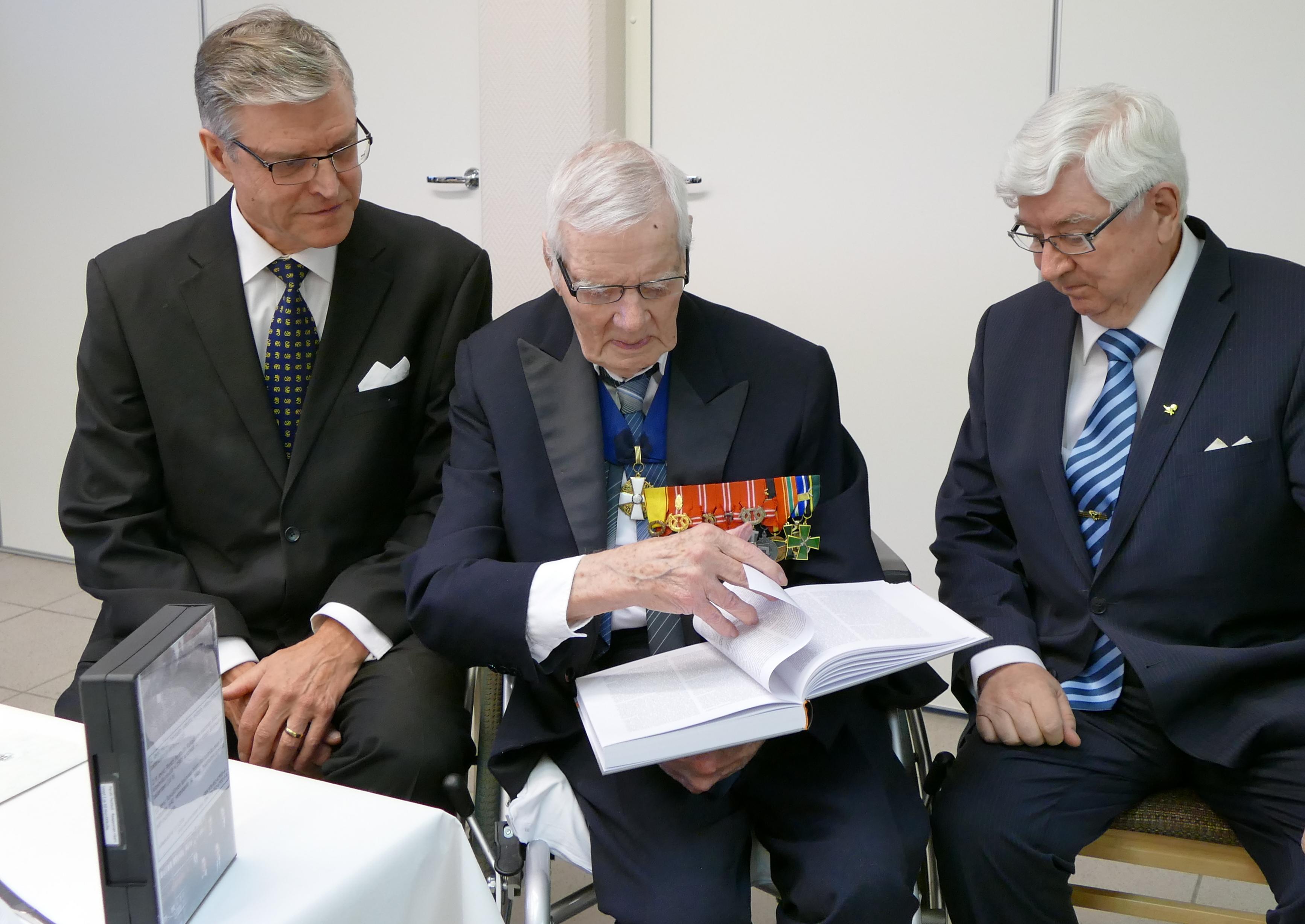 Neuvokset, Simo Palokangas, Pentti Perttuli ja Esko Eela.