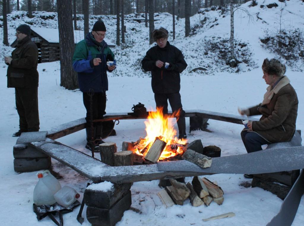 Änäkäisissä 30.11.2013. Vaemaalta Reijo Kortelainen, Lauri Kähkönen, Osmo Kukkonen ja Juhani Ryynänen. Kuva Jouko Martiskainen.