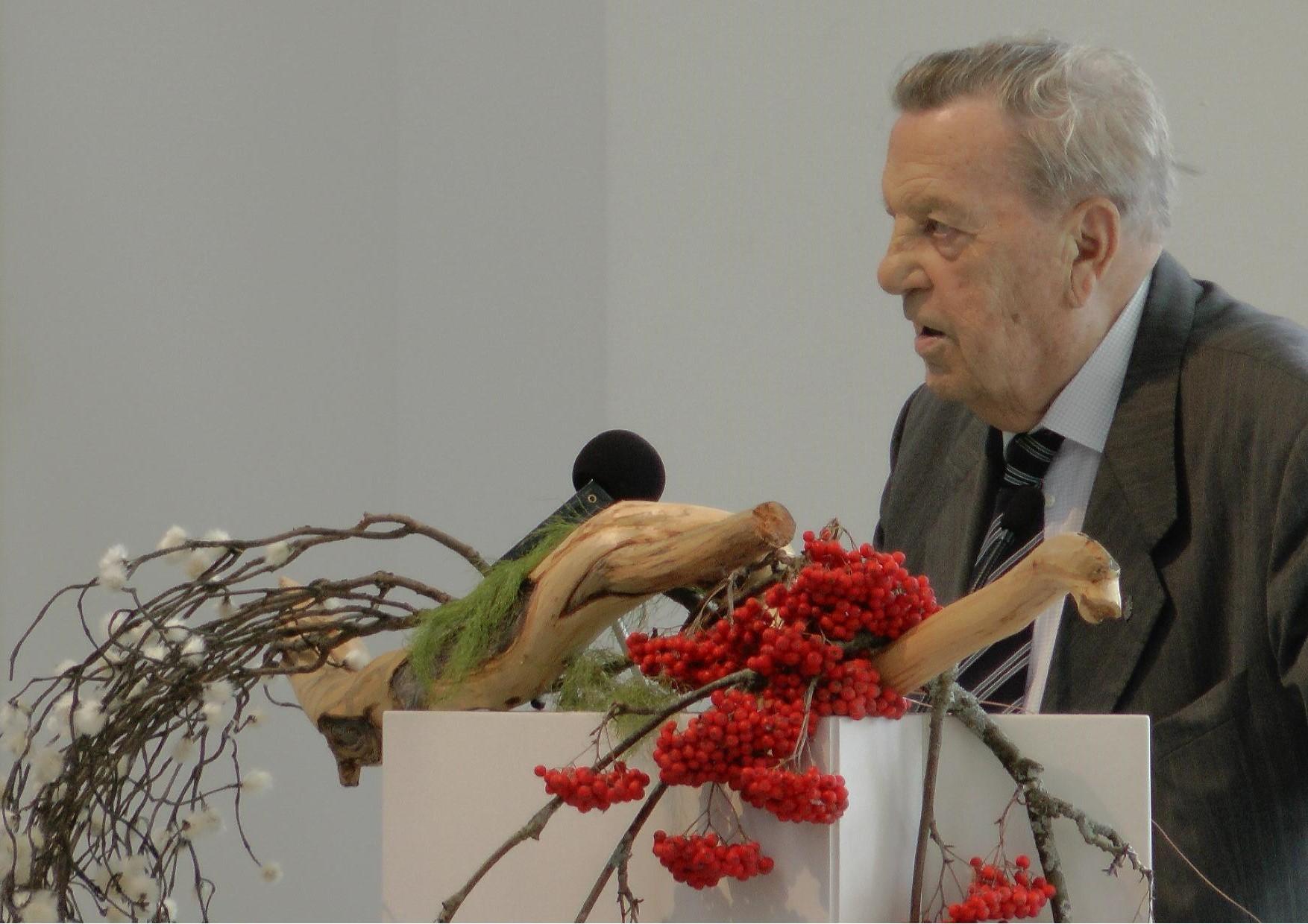 Ermei Kanninen Lieksan kirkossa 5.9.2014 Kansalaisjuhla 70 vuotta Jatkosodan päättymisestä. Veteraanit saapuivat juhlaan höyryjunalla.