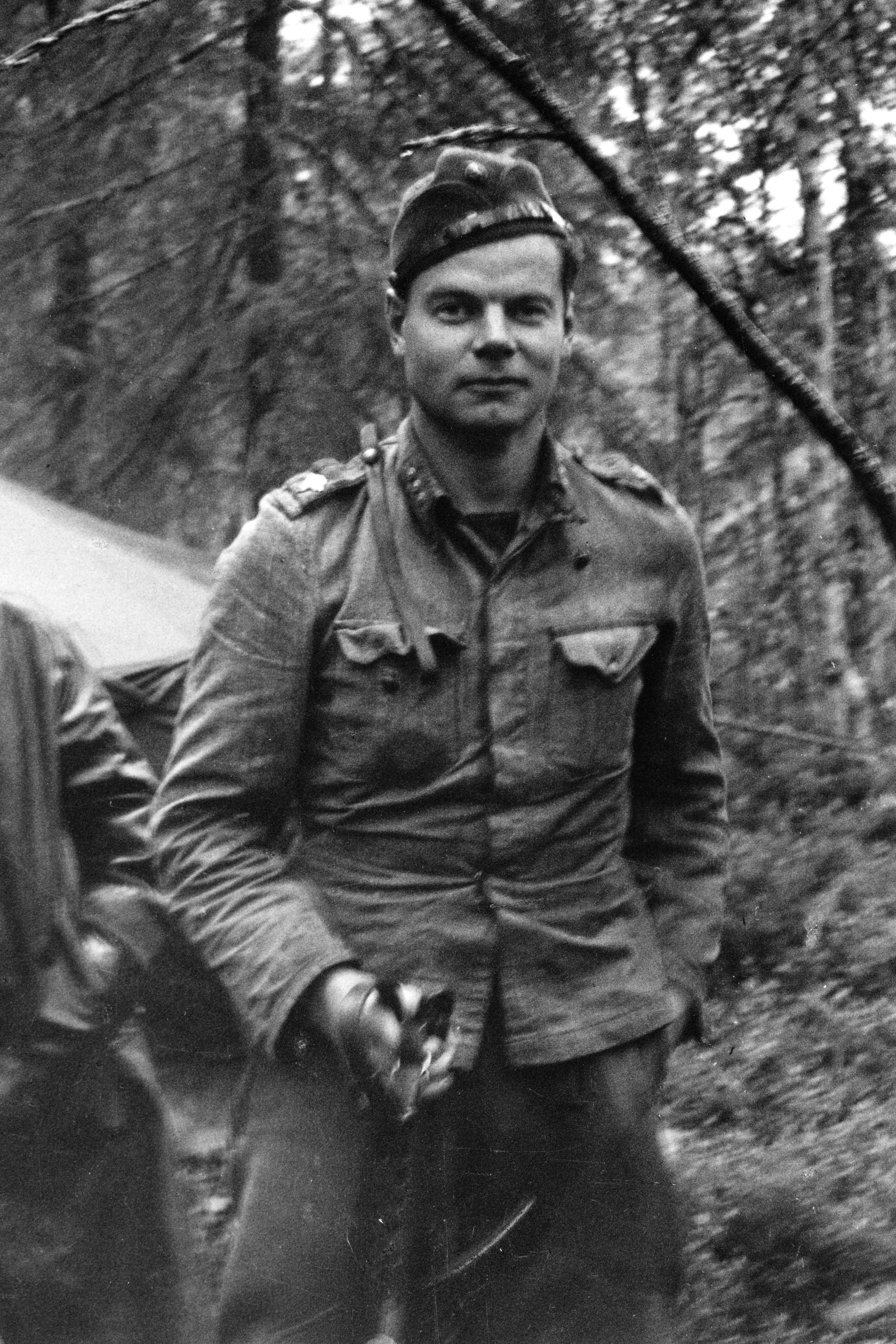 Pentti Perttuli Rukajärven rintamalla 4.9.1944, jolloin hän oli juuri saanut tiedon aselevosta.